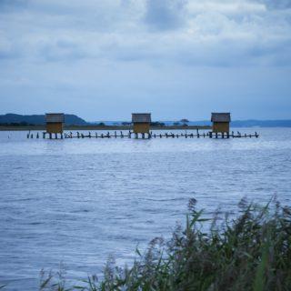 小川原湖とマテ小屋